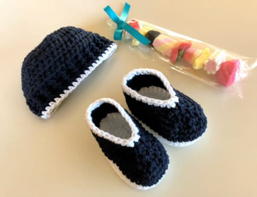 The crochet Parker baby set with hat and booties