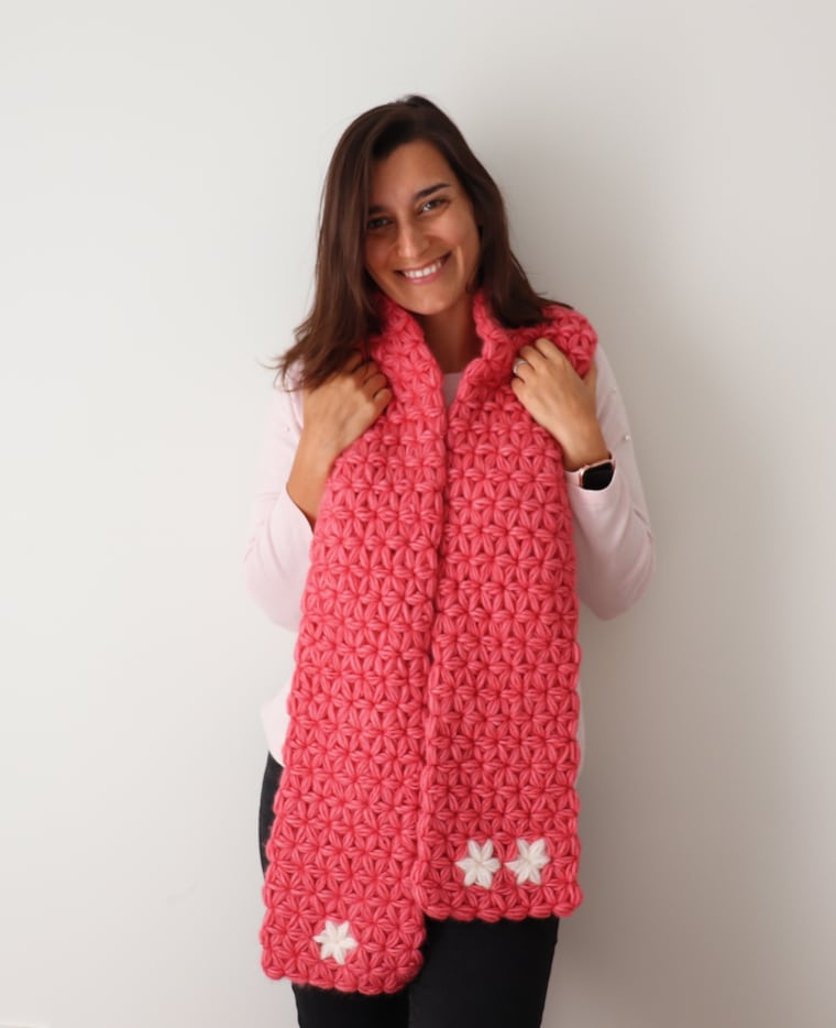 The Jasmine Scarf seen from the front.